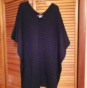 Vince Camuto black one size fits all throw over